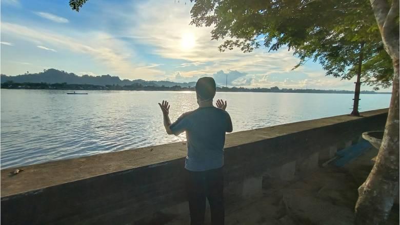 Eksotisme Wisata Susuri Aliran Sungai Kayan