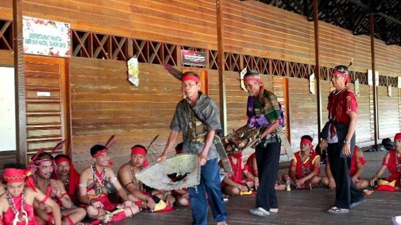 Memikirkan kembali Ritual Tolak Bala Suku Dayak