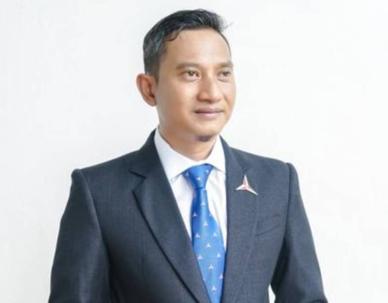 Indrata Nur Bayuaji, Pemimpin Muda Pacitan