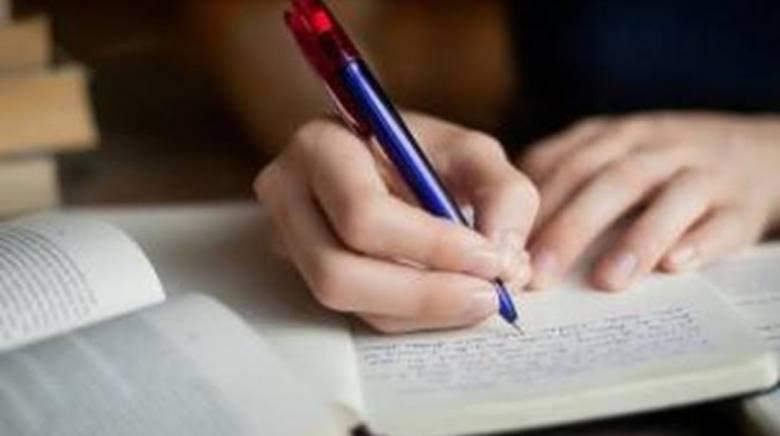 Mengapa Penulis Perlu Belajar Filsafat?