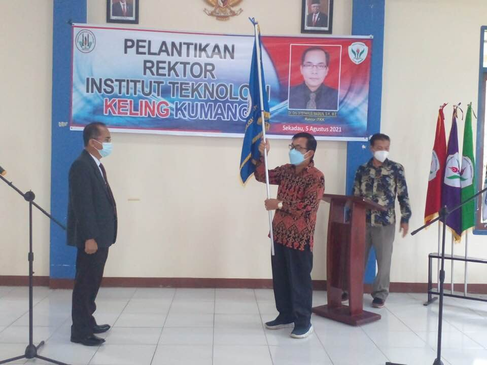 Dr. Drs. Masiun, Rektor Institut Teknologi Keling Kumang Sekadau