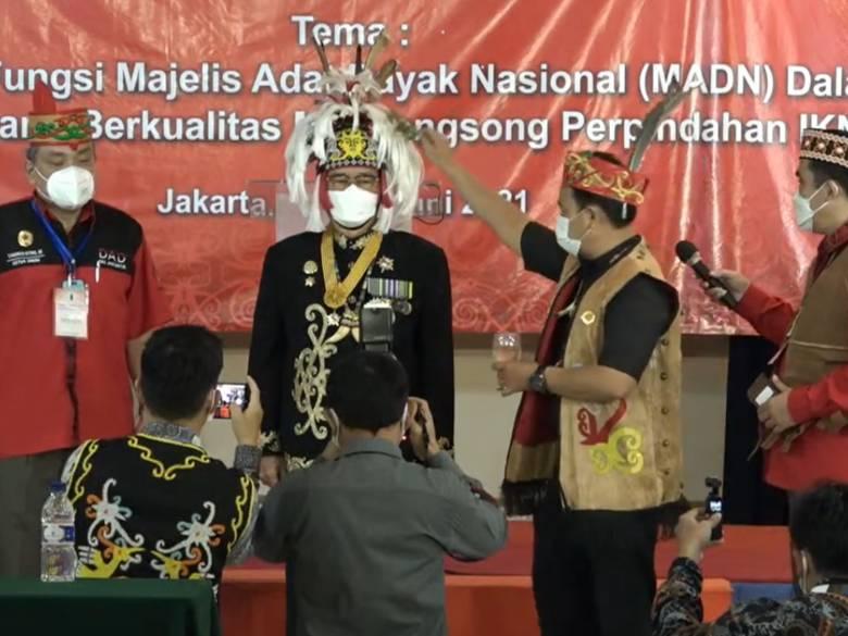 Paran Sakiu: Pimpin Ritual Adat Babamang Munas V MADN